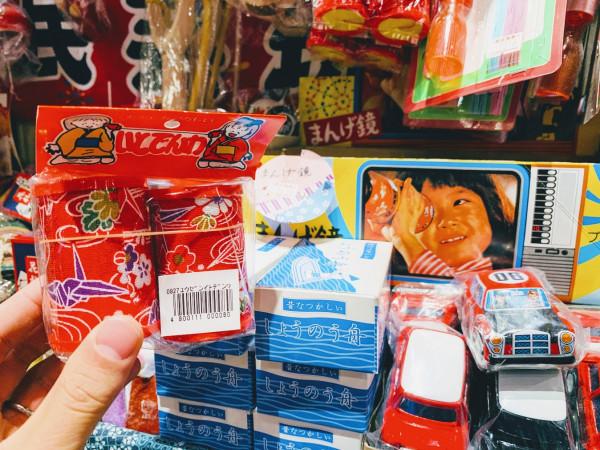 夢だった「大人買い」しませんか? 懐かしの駄菓子店4選を紹介