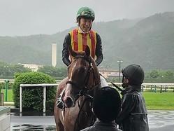 日曜福島5R新馬はドゥラメンテの近親コンドゥクシオンがV!