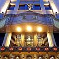 百貨店の雄・日本橋三越本店。この店には「らしからぬ」意外な店舗が出店するという。 果たしてそれは——。
