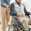 過去1年間で9.9万人が離職 「介護専念者」と「介護離職者」の実態