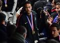 スタンドで堪忍袋の緒が切れ、ファンに暴力を振るったネイマール。暴挙に及んだ理由とは? (C) Getty Images