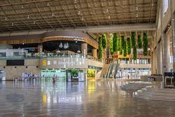 閑古鳥がなく金浦空港国際線フロア