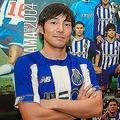ポルト伝統の青と白のユニホームに身を包んだ中島。その表情は充実感に満ち溢れている。 (C) FC Porto
