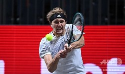 男子テニス、ベット1ハルクス室内、シングルス準決勝に進出したアレクサンダー・ズベレフ(2020年10月15日撮影)。(c)Ina FASSBENDER / AFP