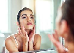 冷水で洗顔はNG!…肌が老ける「やってはいけないスキンケア」