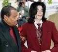 マイケル・ジャクソンの元主治医 父・ジョーさんの残酷な行為を明かす