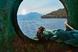 海で見殺しにした難民と5年後に再会、そのとき両者は...深遠なテーマが高評価の『Safe Harbour』