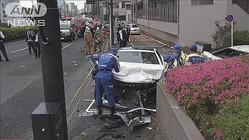 時速90kmで走行、急ハンドル…高級車ではね女性死亡