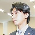 連日続く宮崎謙介氏の不倫報道 「もっと大事なニュースが…」と疑問の声も