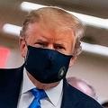 米大統領、軍医療施設を訪問 公の場で初のマスク(2020年7月11日撮影)