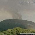 浅間山が噴火か 山頂火口から2kmの範囲は大きな噴石や火砕流に警戒