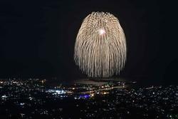 九州最大の三尺玉花火が打ち上がる人気の花火大会/写真は主催者提供