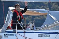 太平洋横断に臨む辛坊治郎さん