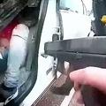 米ミネソタ州で警官が黒人男性を射殺 ボディカメラの映像を公開