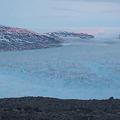 グリーンランドの村に巨大氷山が迫る 大規模な津波発生の可能性も