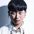 紅白で嵐の衣装も担当した韓国人デザイナー 元交際相手が首絞めDVを告発