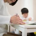 依然として難しい子育てと仕事の両立 共働き夫婦らの現状と本音