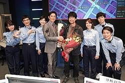土曜ドラマ『ボイス 110緊急指令室』唐沢寿明と伊勢谷友介のクランクアップの様子