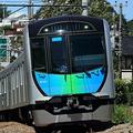 東横線区間を走る西武鉄道の「S-TRAIN」 写真/HAYABUSA / PIXTA(ピクスタ)