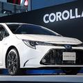 トヨタ自動車の新型「カローラ」(時事通信フォト)