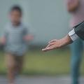 公園で子ども連れの父親が通報される……「他者の不審者化」の背景にあるものは? ※画像はイメージです