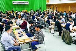 (写真)熱戦が繰り広げられた第56回しんぶん赤旗全国囲碁・将棋大会=9日、党本部