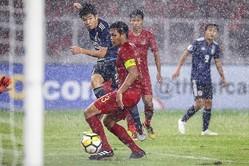 雨脚が強くなった終盤、勝利を決定付けたのがこの宮代の一撃。チーム最多の4ゴール目をマークした。写真:佐藤博之