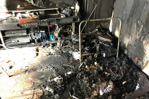 [画像] 中国製バッテリーで自宅火災…被害男性、アマゾンを提訴  「巨大プラットフォーム」の責任問う