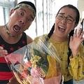 公開プロポーズで話題の白鳥久美子(中央)とチェリー吉武(白鳥のブログより)