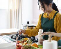 婚活で料理をアピールする女性は多いですが…(写真はイメージです。以下同)