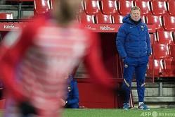 スペイン1部リーグ、FCバルセロナのロナルド・クーマン監督(2021年1月9日撮影、資料写真)。(c)JORGE GUERRERO / AFP