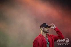 フランスで音楽フェスティバルに出演する有名ラッパーのブーバ(2019年7月18日撮影、資料写真)。(c)LOIC VENANCE / AFP