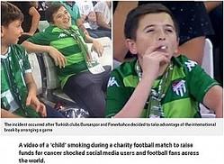 「子供が喫煙!」と大騒ぎされてしまった36歳男性(画像は『Metro 2019年9月10日付「'Child' filmed smoking at football match 'is actually 36'」(Picture: Yureginikoyortaya)』のスクリーンショット)