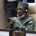 チャドのデビ大統領、反政府勢力との交戦地帯で死亡 戦闘中に負傷か