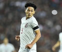 タジキスタン戦でチームを勝利に導く2ゴールを挙げた南野。韓国でも注目される存在だ。写真:金子拓弥(サッカーダイジェスト写真部)