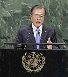 日韓関係改善の日は遠い(写真/EPA=時事)