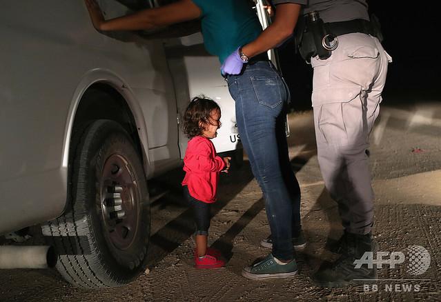 【不法移民】世界報道写真大賞に「泣きじゃくる女児」 米の移民政策転換促す
