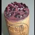 コルクに付着した赤ワインの酒石(写真はwikipedia commonsより)