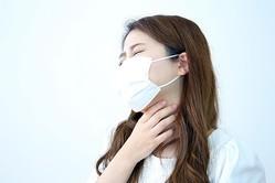乾燥は喉の大敵! 医師に聞いた、不調が和らぐ簡単「喉マッサージ&食事法」