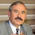 ひげの風貌が「日本の朝鮮総督みたい」と批判されるハリス米大使(ハンギョレ2020年1月18日付)