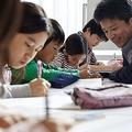 「モヤモヤしながら行かせてる」新型コロナ拡大を巡る学習塾への不安