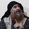 プロパガンダ動画で姿を現したイスラム過激派組織「イスラム国(IS)」の最高指導者アブバクル・バグダディ容疑者。アルフルガン・メディアが公開した映像より(撮影日・場所ともに不明)。(c)AFP PHOTO / SOURCE / AL-FURQAN