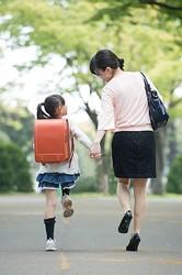 小2母子無理心中 何が母を追い詰めたのか(イメージ写真/PIXTA)