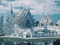 美しく燃える地獄!? タイにある白亜の寺院「ホワイトテンプル」がこの世のものとは思えないほどきれい