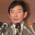 2016年7月11日、都知事選出馬を断念することを発表した石田純一