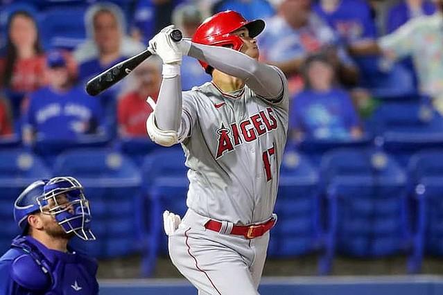 [画像] 【MLB】大谷翔平が豪快3号ソロ&3点二塁打 大暴れに米記者興奮「逆方向へ冗談じゃない力」