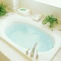 毎日綺麗にしておきたいお風呂。でも掃除が意外と重労働です。お風呂掃除が簡単になるお風呂の使い方と便利な掃除グッズをご紹介します。