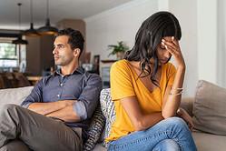 もしも旦那・妻に不倫されたら……? まず何をすべき?