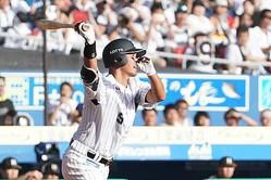 今季限りで現役を引退したロッテ・福浦和也【写真:荒川祐史】