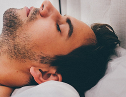 睡眠時間と薄毛・抜け毛の関係